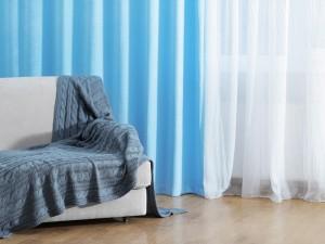 風水を子ども部屋に取り入れる、青いカーテン