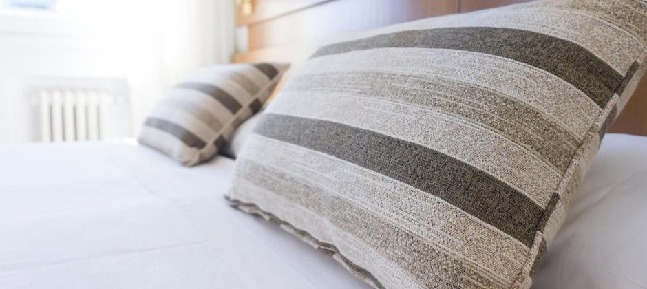 朝の目覚めを楽しみにする、理想の枕の選び方