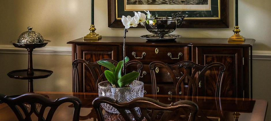 マホガニー材の家具