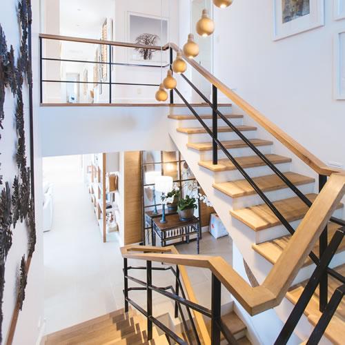 階段を安全におしゃれに照らしたい