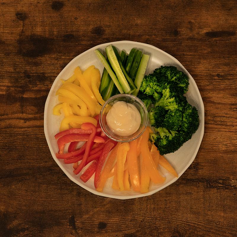 野菜スティックディップソース添え