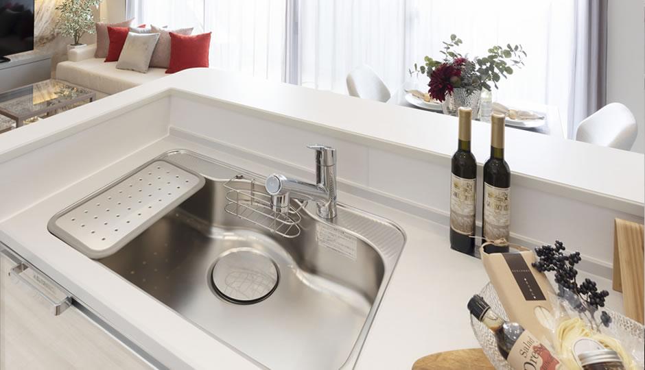 キッチンのシンクの汚れは3種類!汚れ別のお掃除が効果的