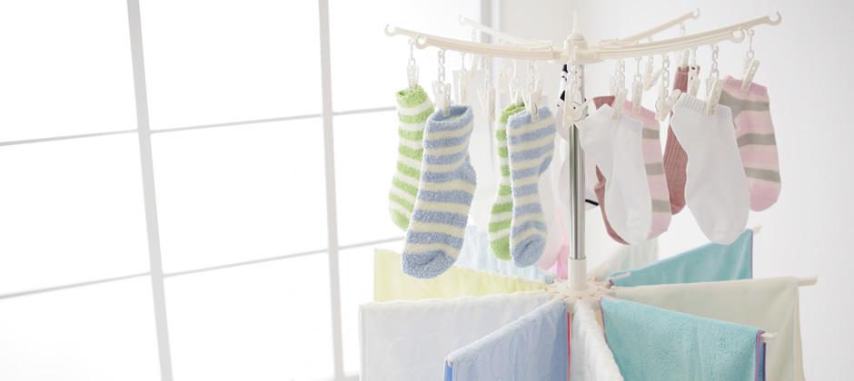ぬれタオルや洗濯ものを干す