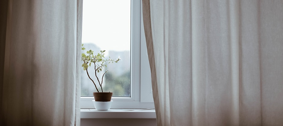 遮光等級の高いカーテンを使用しましょう!