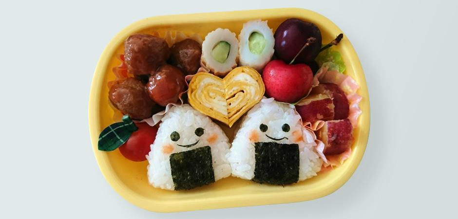 幼稚園のお弁当の【主食】は食べやすいおにぎりやサンドイッチを