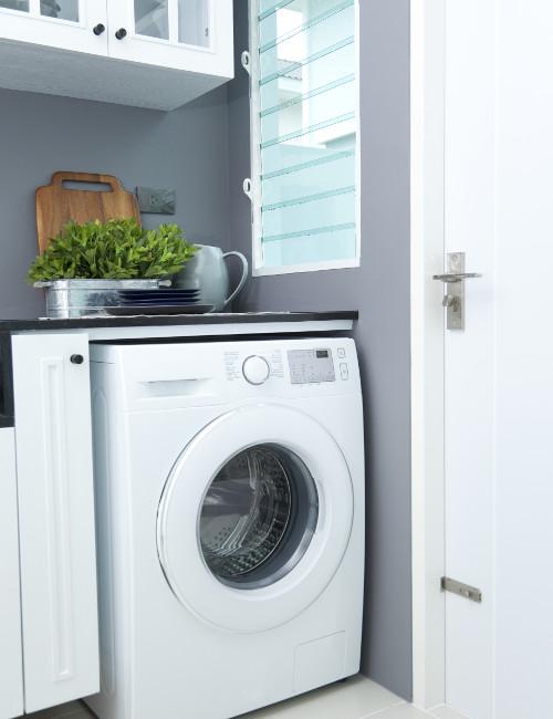 洗濯機の奥の壁をアクセントウォールに
