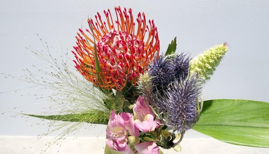7月のフラワーアレンジメント|夏でも楽しめる!長持ちする花の選び方-花のある暮らし-