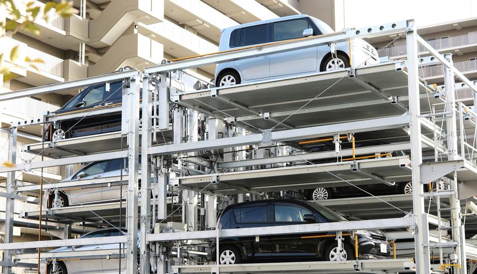 画像と動画で解説!機械式駐車場の使い方と利用時に気をつけるポイント