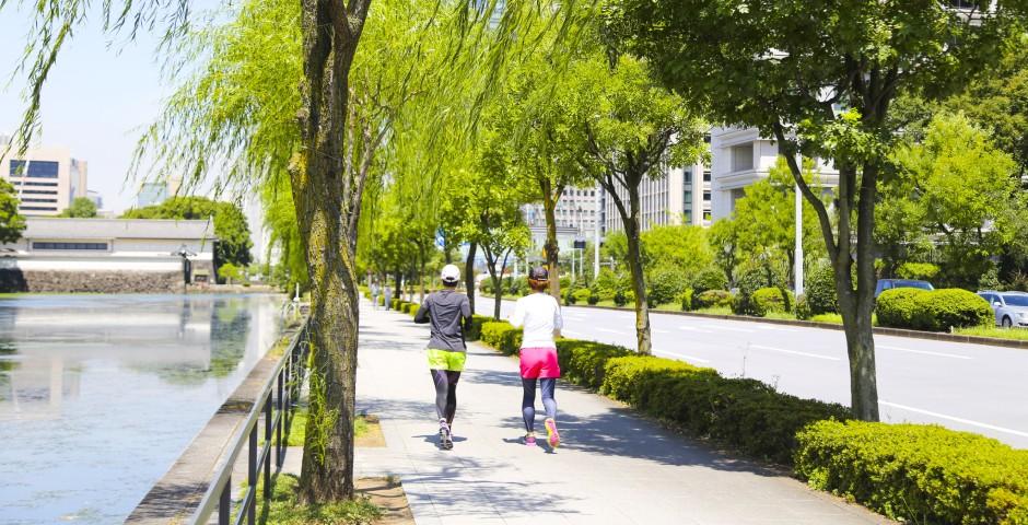 歩道のジョギングマナー
