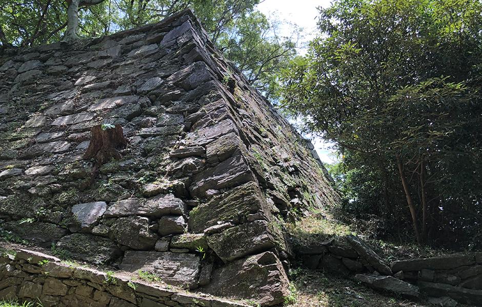 弓櫓跡の石垣